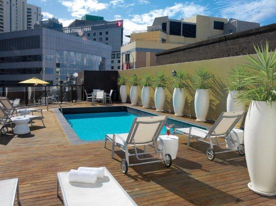 Vibe Hotel Sydney: pool