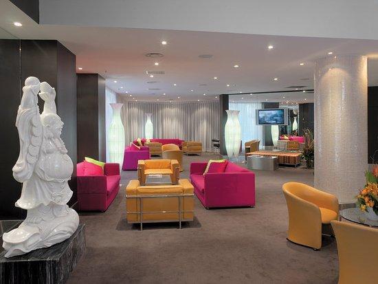 Vibe Hotel Sydney: lobby