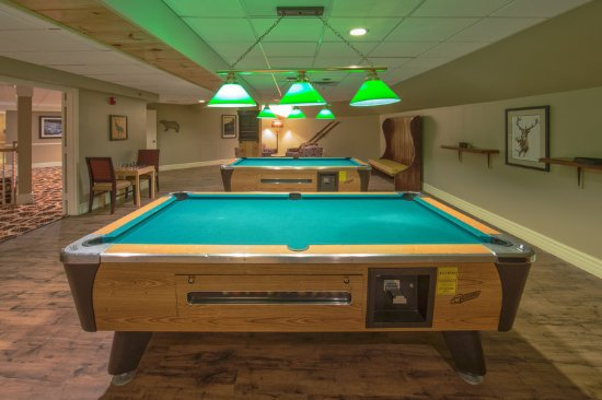 Brownsville, VT: Enjoy a game of pool with friends and family