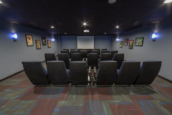 Brownsville, VT: Relax and enjoy a movie in the threatre