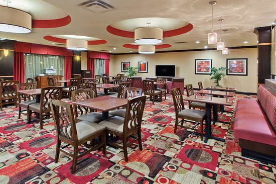 Holiday Inn Express & Suites Rome-East: Breakfast Area