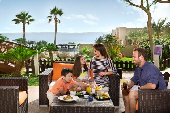 Holiday Inn Resort Dead Sea: Enjoy dining with your family in the comfort of our resort