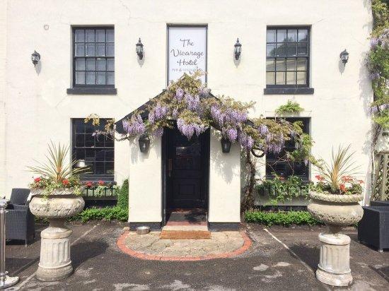 Cranage, UK: Exterior