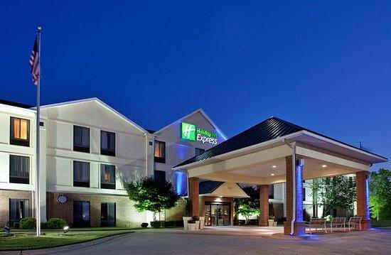 Warrensburg, MO: Hotel Exterior