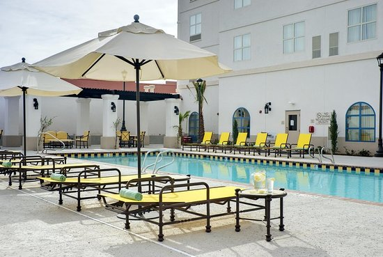 Hilton Garden Inn Las Cruces: Outdoor Pool