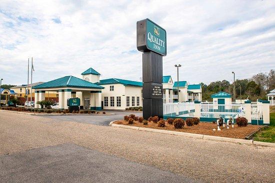 Chipley, FL: FLBExterior