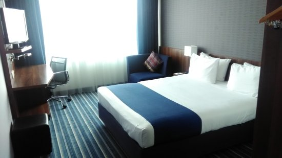 Holiday Inn Express Amsterdam-Sloterdijk Station: P_20170924_125705_large.jpg