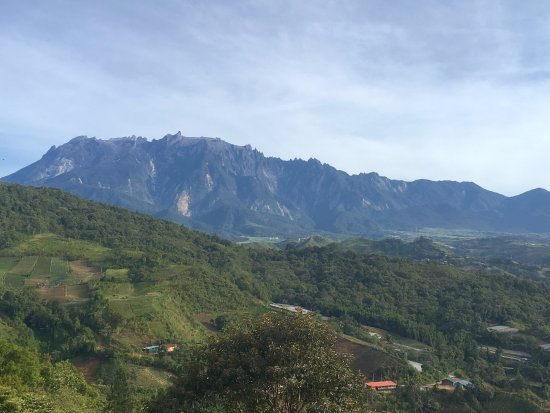 Celyn Resort Kinabalu: The Mountain view from our balcony