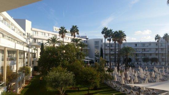Protur Badia Park Aparthotel : Blick vom Balkon morgens früh