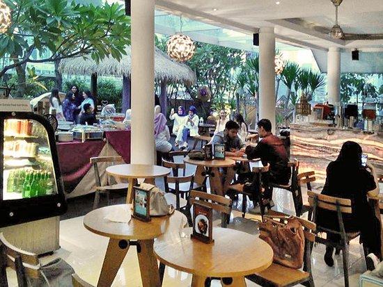 Semi Outdoor Picture Of Sky Garden Cafe Jakarta Tripadvisor