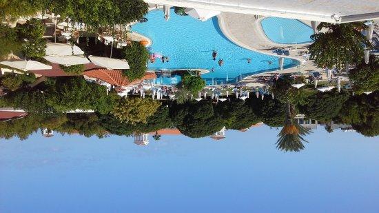 Avanti Hotel: 20160924_082222_large.jpg