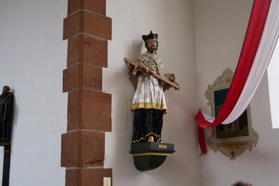 Jagdhof Klein-Heilig-Kreuz: Hl. Nepomuk  Klein-Heiligkreuz Kapelle
