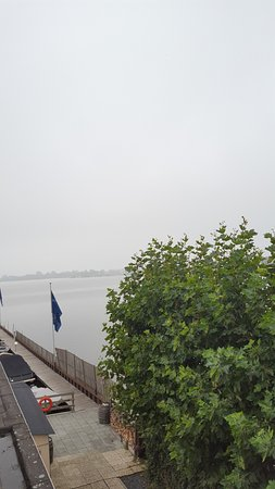 Loosdrecht, Países Bajos: Mist over de plas