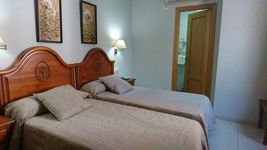 HOTEL GOYA: DSC_0352_large.jpg