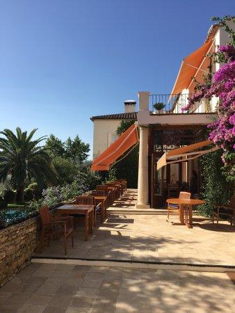 Hotel La Fuente De La Higuera: photo1.jpg