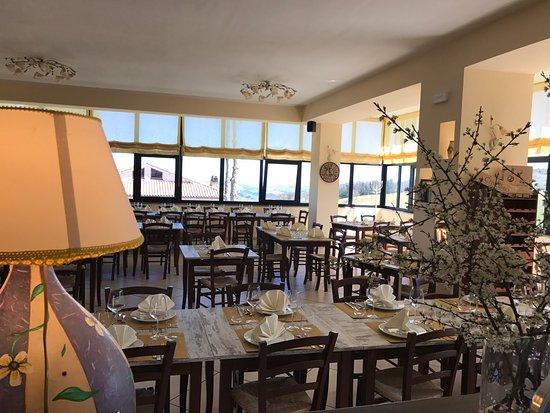 Gualdo, Italy: L'infinito A Tavola