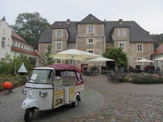 Mellenthin, Niemcy: Blick auf das Schloss