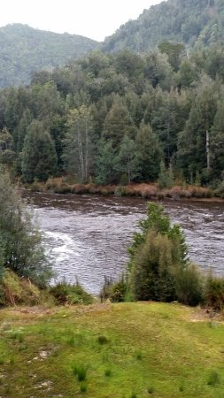 West Coast Wilderness Railway: Along the King River