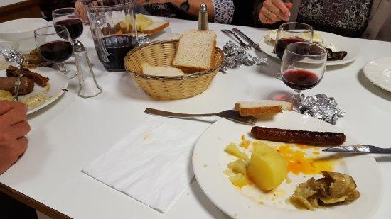 Alleyras, France: Plus de pain au repas donc pain de mie, Lol