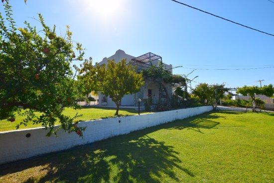 Merabello Apartments: The villa