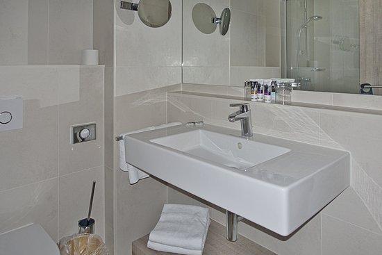 Canach, Lussemburgo: Blick ins Badezimmer