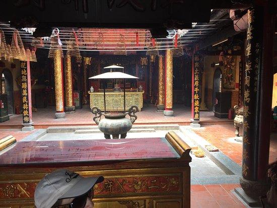 Chua Van Phat - Temple of Ten Thousand Buddhas: photo3.jpg