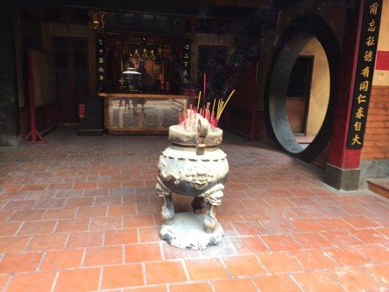Chua Van Phat - Temple of Ten Thousand Buddhas: photo6.jpg