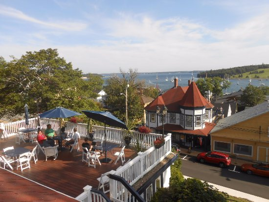 Boscawen Inn: The view from my window overlooking the deck