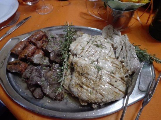 Felitto, Italia: Misto di carne
