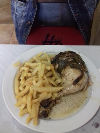 Restaurant Hostal Carlos: Pollo al horno