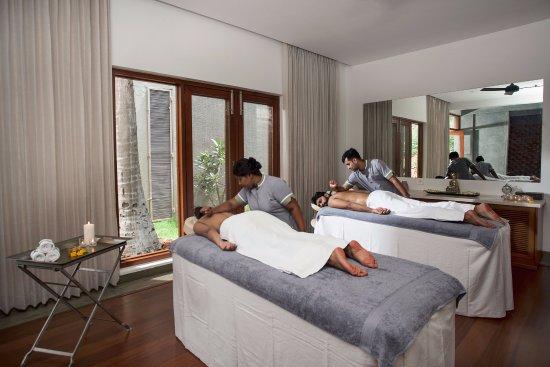 Rejuvenating Couples Massage At Shreyas Retreat Spa Picture Of Shreyas Yoga Retreat Bengaluru Tripadvisor