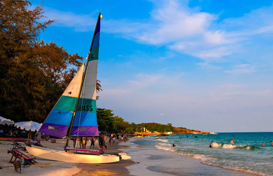 Ko Samet, Thailand: Our HobieCat on our beach