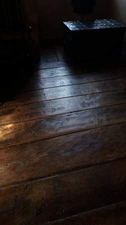 Kendal, UK : The amazing C15 oak floor