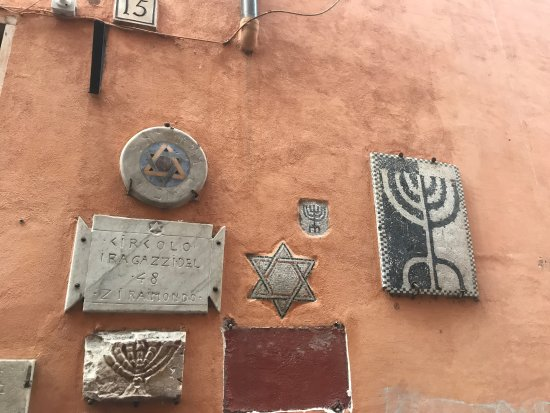 Jewish Roma Private Walking Tours : It was great seeing all the jewish artifacts throughout the tour, both inside museum + the stree
