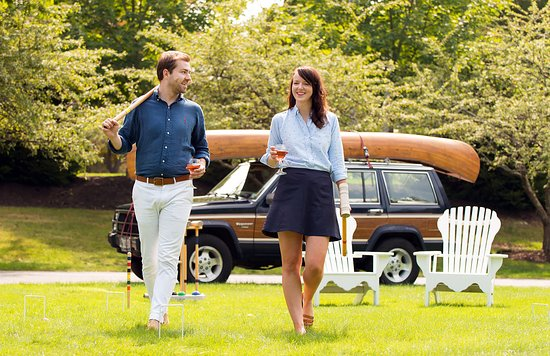 Cape Arundel Inn & Resort: Gather with friends on the Clubhouse green for a game of croquet