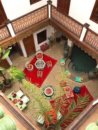 Riad Limouna: patio