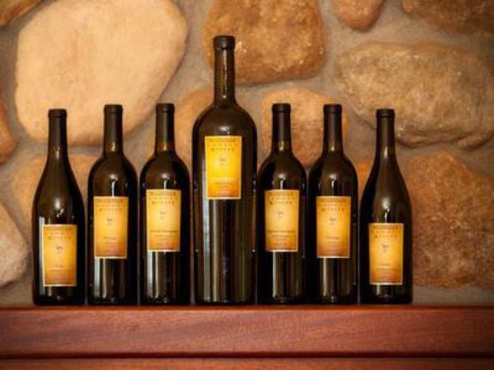 Natalies Estate Winery: Over a dozen robust red varietals and blends