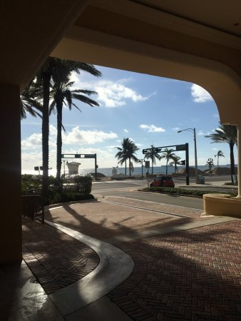The Atlantic Hotel & Spa: Beautiful property and clean rooms