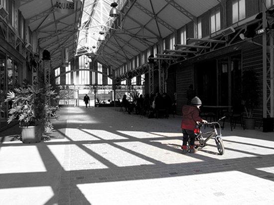Fontenay-sous-Bois, France: Sous la Halle Roublot