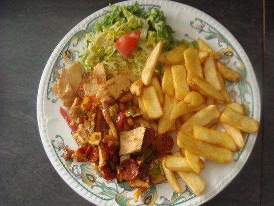 Antrain, France: Lamelles de poulet rôti à l'Orientale