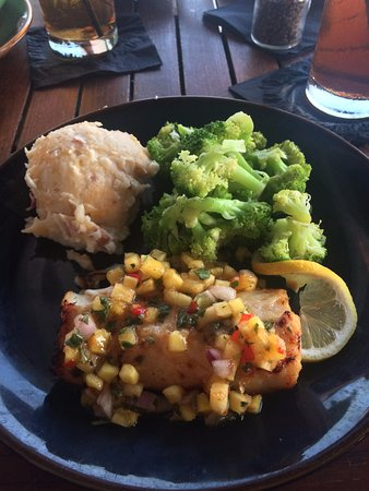 Palmetto, فلوريدا: Butterfish, marinated in rice wine and sake, with pineapple salsa