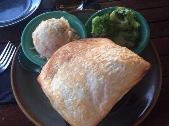 Palmetto, فلوريدا: Lobster pot pie, picture doesn't do it any justice