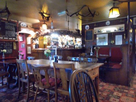 Clayton, UK: Bar area