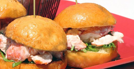 The Lodge on the Cove: Lobster Sliders at The Dory