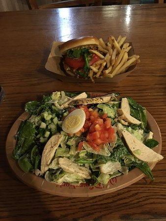 Restaurantosaurus: Chicken burger and chicken salad