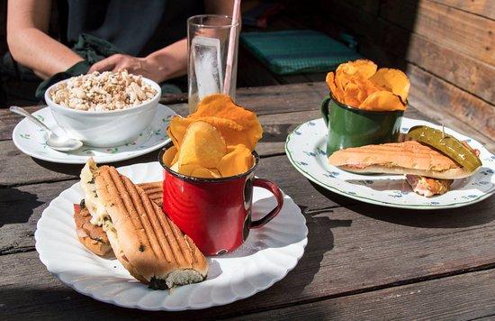 Antigua Miami: Snacks; paninis, granola, artisanal chips,