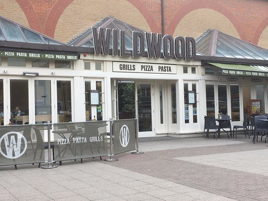 Wildwood Restaurant & Bar: From the outside.