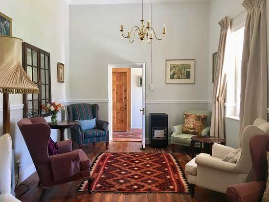 John Montagu Guest House: Sitting Room