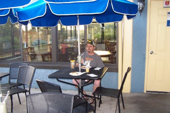breakfast on the patio Picture of Clarion Inn Historic Strasburg