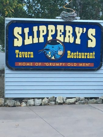 Slippery's Tavern and Restaurant: photo1.jpg